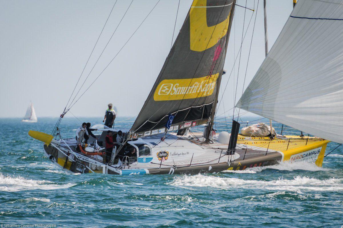 Arnaud Boissières à bord de son Imoca aux couleurs de