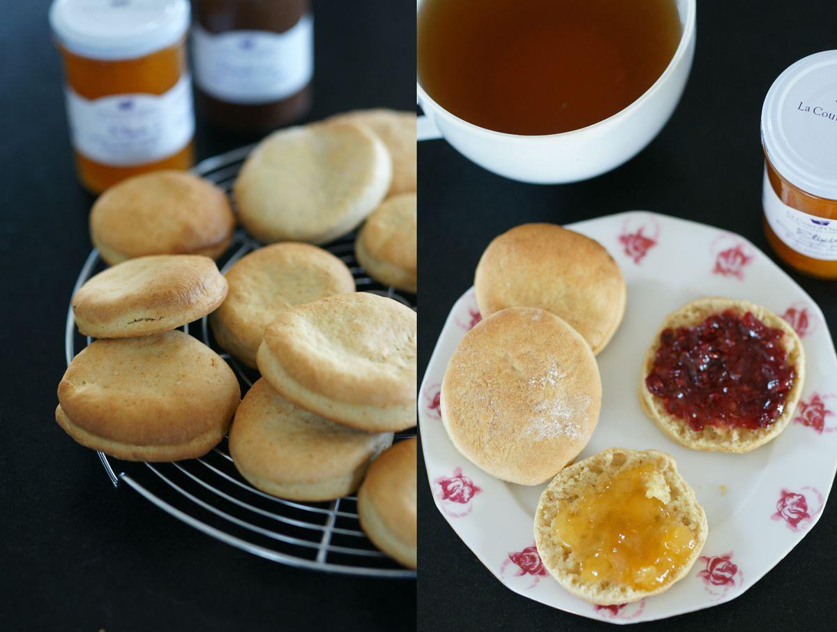 cream-biscuits-ouverts-a-la-confiture