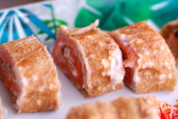 bouchée au saumon fumé originale, à la gelée de muscadet nantais aux algues et échalotes