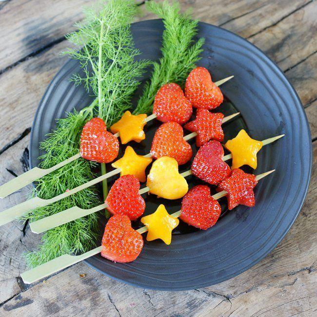 Brochettes de fraises pour l'apéro entre voisins